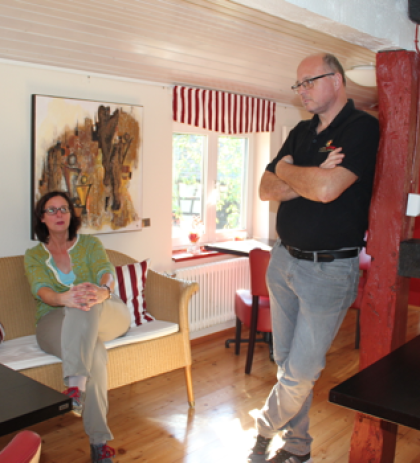 Gina Fritz und Biersommelier Falko Heckenhauer bei der Vorbesprechung im Kleverhaus